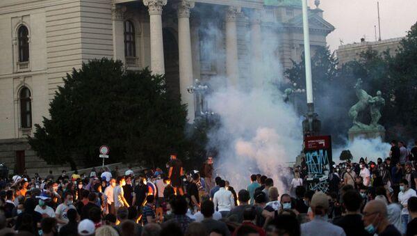 Протесты в Сербии - Sputnik Türkiye