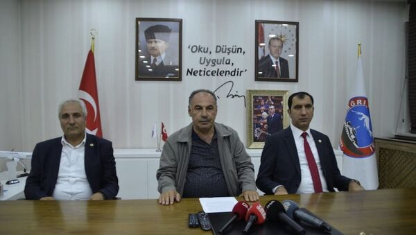 Ağrı'da ilçe belediye başkanları Ramazan Yakut, Nurettin Öztürk ve Selami Demirtaş - Sputnik Türkiye