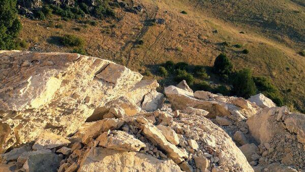 Define uğruna tonlarca kayayı patlattılar - Sputnik Türkiye