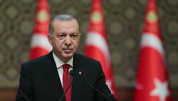 Türkiye Cumhurbaşkanı Recep Tayyip Erdoğan, 15 Temmuz Millete Sesleniş konuşması yaptı. - Sputnik Türkiye