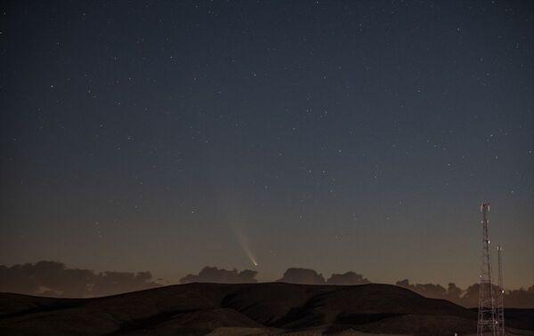 Neowise, ay sonuna kadar parlaklığını kaybetmeden çıplak gözle görülebilecek. - Sputnik Türkiye