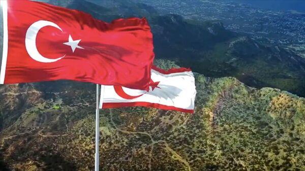 Türkiye-Kuzey Kıbrıs-bayrak - Sputnik Türkiye