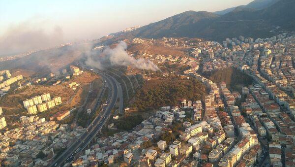 İzmir, Balçova, yangın - Sputnik Türkiye