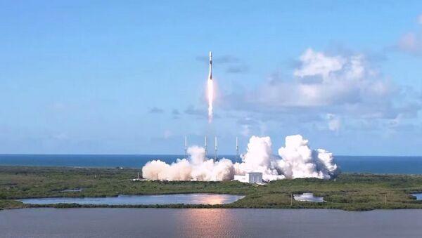 ABD'li roket ve uzay mekiği üreticisi SpaceX, Güney Kore'ye ait askeri iletişim uydusunu uzaya yolladı. - Sputnik Türkiye