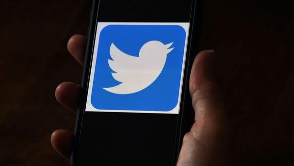Telefon-Twitter - Sputnik Türkiye