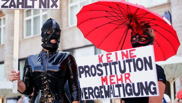 Almanya'da genelev çalışanları salgın kısıtlamalarını protesto etti - Sputnik Türkiye