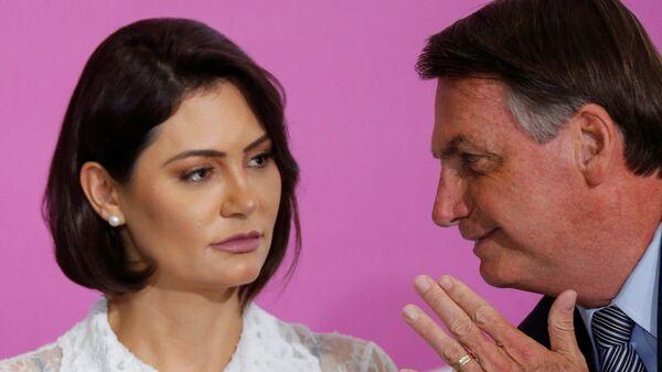 Brezilya Devlet Başkanı Jair Bolsonaro ve eşi Michelle Bolsonaro - Sputnik Türkiye