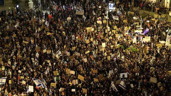 İsrail'de Başbakan Netanyahu karşıtı gösteriler sürüyor - Sputnik Türkiye