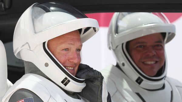 SpaceX'in NASA astronotları Bob Behnken ile Doug Hurley - Sputnik Türkiye