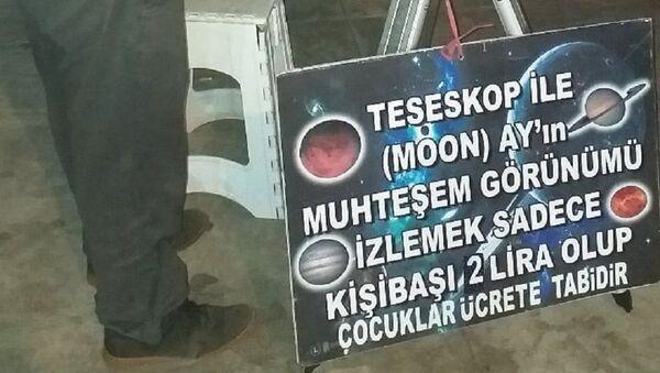 Emekli Aker gökyüzünü insanların da görmesini istedi, teleskobunu alarak sokağa çıktı - Sputnik Türkiye