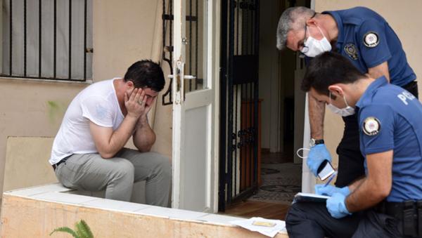 Polislere 'düştü' diyerek ağladığı sevgilisini döverek öldürmüş - Sputnik Türkiye