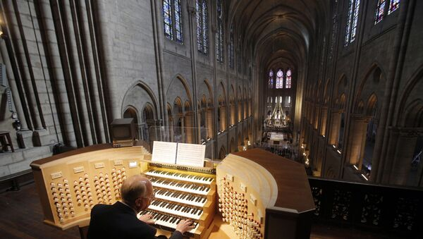 Notre Dame Katedrali'ndeki org - Sputnik Türkiye