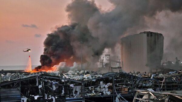 Lübnan Beyrut Limanı'nda meydana gelen patlama  - Sputnik Türkiye