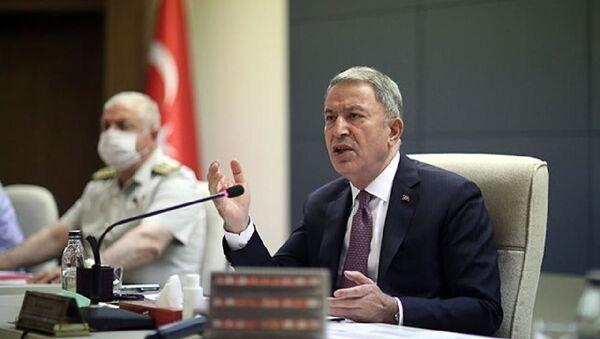 Bakan Akar, terfi eden general ve amirallerle bir araya geldi - Sputnik Türkiye
