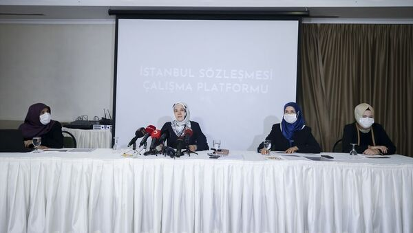 İstanbul Sözleşmesi Çalışma Platformu: Şiddeti ortadan kaldırmayı hedef alan yerli ve milli yasal düzenleme yapılmalı - Sputnik Türkiye