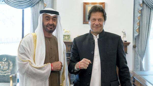 Birleşik Arap Emirlikleri (BAE) Abu Dabi Veliaht Prensi Muhammed bin Zayed Al Nahyan ve Pakistan Başbakanı İmran Han - Sputnik Türkiye