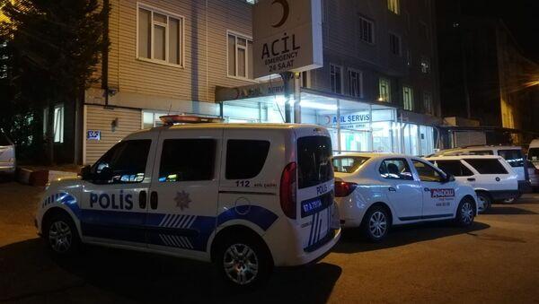 Zonguldak'ın Ereğli ilçesinde yan bakma kavgasında bir kişi belindeki silahla tartıştığı kişiyi yaraladı. - Sputnik Türkiye