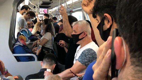 Metro, toplu taşıma, kalabalık - Sputnik Türkiye