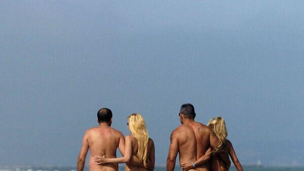 Fransa'daki çıplaklar kenti Cap d'Agde'dan plaj manzarası - Sputnik Türkiye