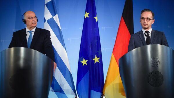 Yunan ve Alman dışişleri bakanları Dendias ile Maas'ın 2019'da Türkiye ile göçmen krizini ele aldıkları görüşmeden - Sputnik Türkiye