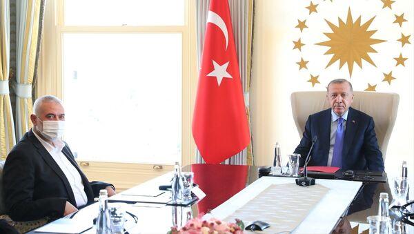 AK Parti Genel Başkanı ve Cumhurbaşkanı Recep Tayyip Erdoğan'ın 22 Ağustos'ta İstanbul'da Hamas Siyasi Büro Başkanı İsmail Haniye ve beraberindeki heyetle görüşmesi - Sputnik Türkiye