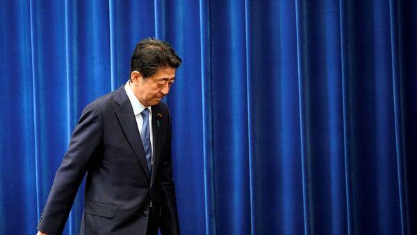 istifasını açıklayan Japonya Başbakanı Şinzo Abe - Sputnik Türkiye