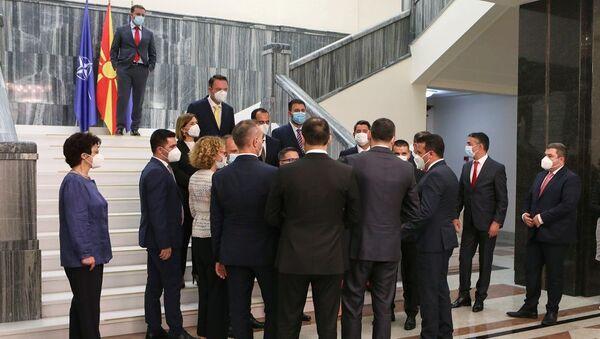 Kuzey Makedonya'da yeni hükümet güvenoyu aldı - Sputnik Türkiye
