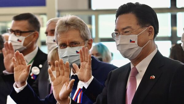 Çekya Senato Başkanı Milos Vystrcil ve Tayvan Dışişleri Bakanı Joseph Wu - Sputnik Türkiye