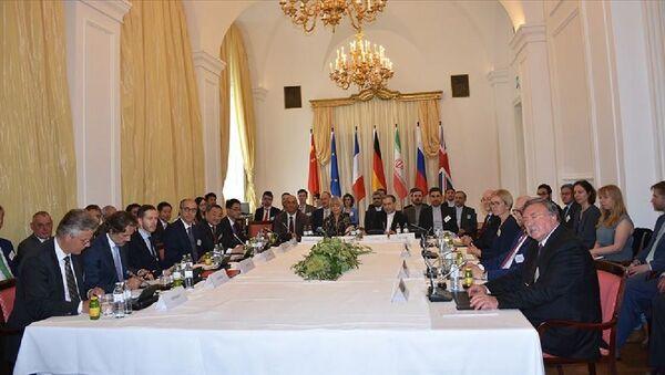 Nükleer anlaşmanın tarafları, ABD'nin İran'a yönelik BM yaptırımlarını geri getirme talebini reddetti - Sputnik Türkiye