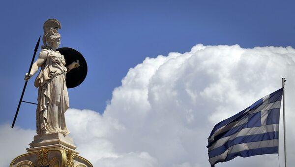 Yunanistan bayrağı - Atina - Athena heykeli - Sputnik Türkiye