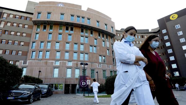 İtalya koronavirüs maske - Sputnik Türkiye
