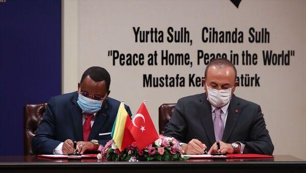 Kongo Cumhuriyeti Dışişleri Bakanı Jean-Claude Gakosso- Dışişleri Bakanı Mevlüt Çavuşoğlu - Sputnik Türkiye
