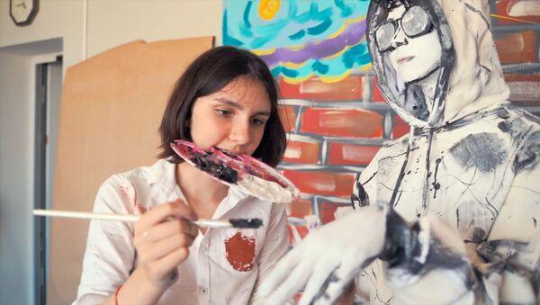 St. Petersburglu öğrenci 'canlı tablolar' yaratıyor - Sputnik Türkiye