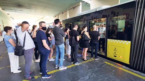 İstanbul - koronavirüs-metrobüs - Sputnik Türkiye