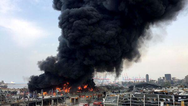 Lübnan'ın başkentinde, Beyrut Limanı'nda yangın, 10 Eylül 2020 - Sputnik Türkiye