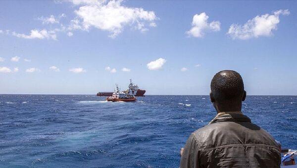 Girit Adası açıklarında göçmenleri taşıyan tekne battı - Sputnik Türkiye
