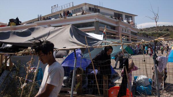 Midilli Adası-Moria mülteci kampı-sığınmacılar - Sputnik Türkiye
