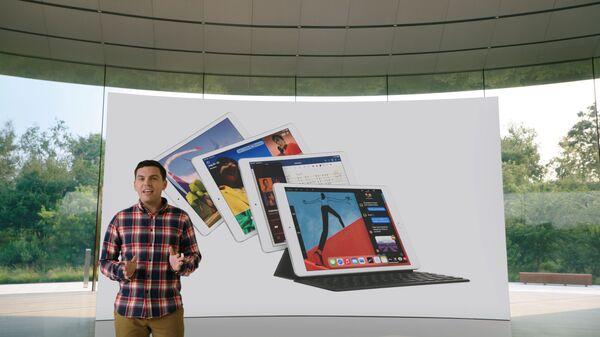 Apple, düzenlediği etkinlik ile yeni ürünlerini tanıttı. Ürünler arasında Apple Watch Series 6 ve Apple Watch SE'nin yanında sekizinci nesil iPad Air da tanıtıldı. - Sputnik Türkiye