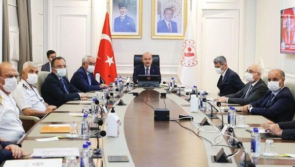 Bakan Soylu 81 ilin valisiyle tedbirleri değerlendirdi - Sputnik Türkiye