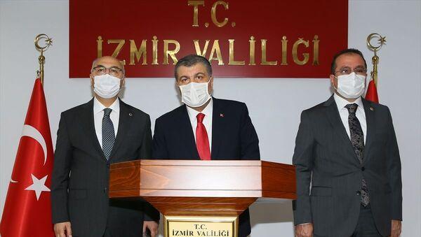 Sağlık Bakanı Fahrettin Koca, İzmir Valisi Yavuz Selim Köşger - Sputnik Türkiye