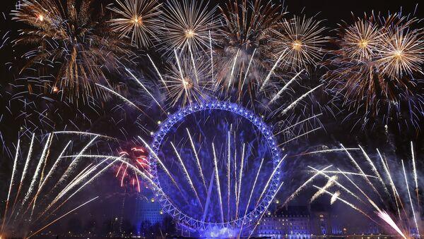 Londra +  yılbaşı gecesi kutlamaları + havai fişek gösterisi - Sputnik Türkiye