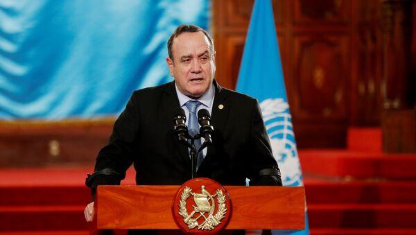 Guatemala Devlet Başkanı Alejandro Giammattei, Kovid-19'a yakalandığını duyurdu. - Sputnik Türkiye