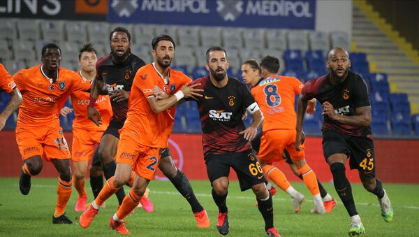 Galatasaray, Medipol Başakşehir galibiyetiyle Süper Lig'de 6 deplasman sonra galibiyet aldı. - Sputnik Türkiye