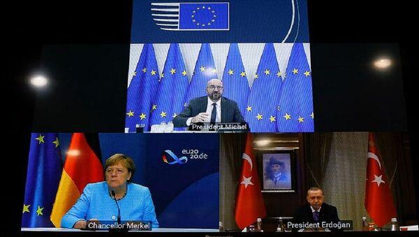 Recep Tayyip Erdoğan, AB Konseyi Başkanı Charles Michel, Almanya Başbakanı Angela Merkel - Sputnik Türkiye