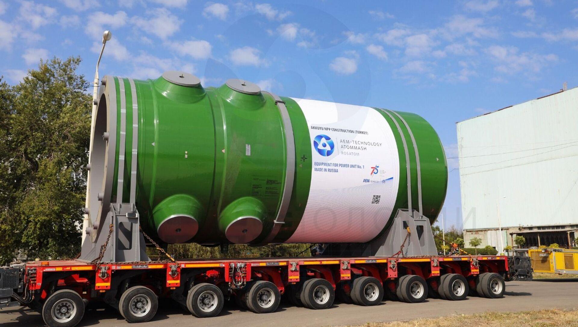 Akkuyu Nükleer Güç Santrali'nin yapımı süren 1 no'lu güç ünitesi için üretilen reaktör kabı - Sputnik Türkiye, 1920, 26.07.2021
