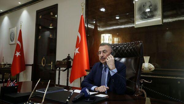 Cumhurbaşkanı Yardımcısı Fuat Oktay, Azerbaycan Cumhurbaşkanı Yardımcısı Hikmet Hacıyev ve Azerbaycan Başbakanı Ali Esedov ile telefon görüşmesi gerçekleştirdi. - Sputnik Türkiye