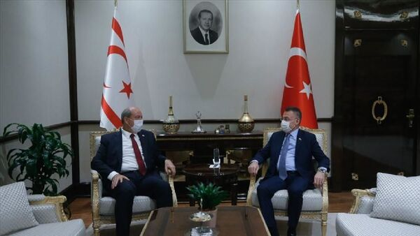 Cumhurbaşkanı Yardımcısı Fuat Oktay, KKTC Başbakanı Ersin Tatar - Sputnik Türkiye
