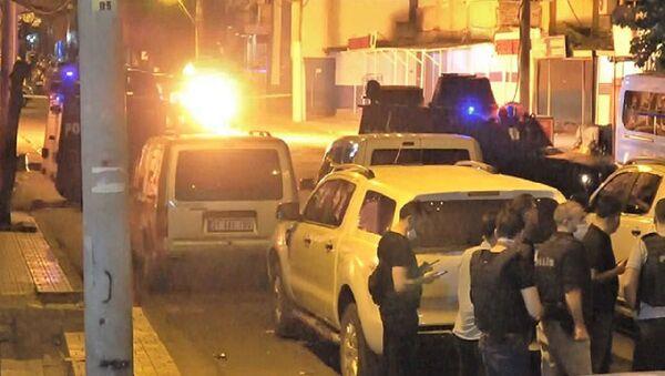 Diyarbakır'da 3 farklı noktada 'bomba' alarmı polisi harekete geçirdi - Sputnik Türkiye