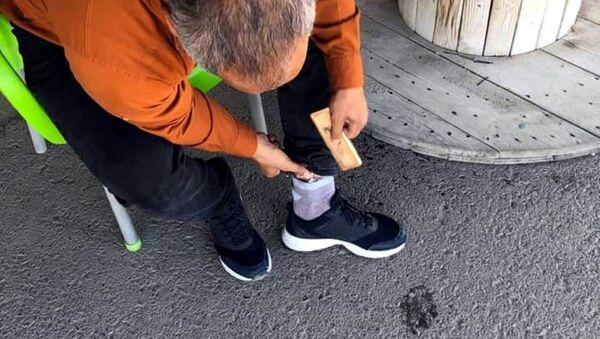 Sınır kapısında çorabına sakladığı 3 kilogram altınla yakalandı - Sputnik Türkiye