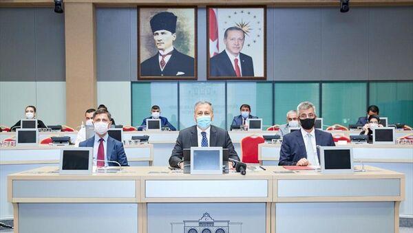 İstanbul'da Filyasyon Çalışmaları Takip Kurulu Toplantısı - Ali Yerlikaya - Sputnik Türkiye